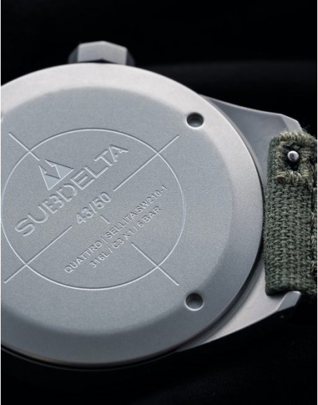 Subdelta Barton Textile strap with Quick Change system.