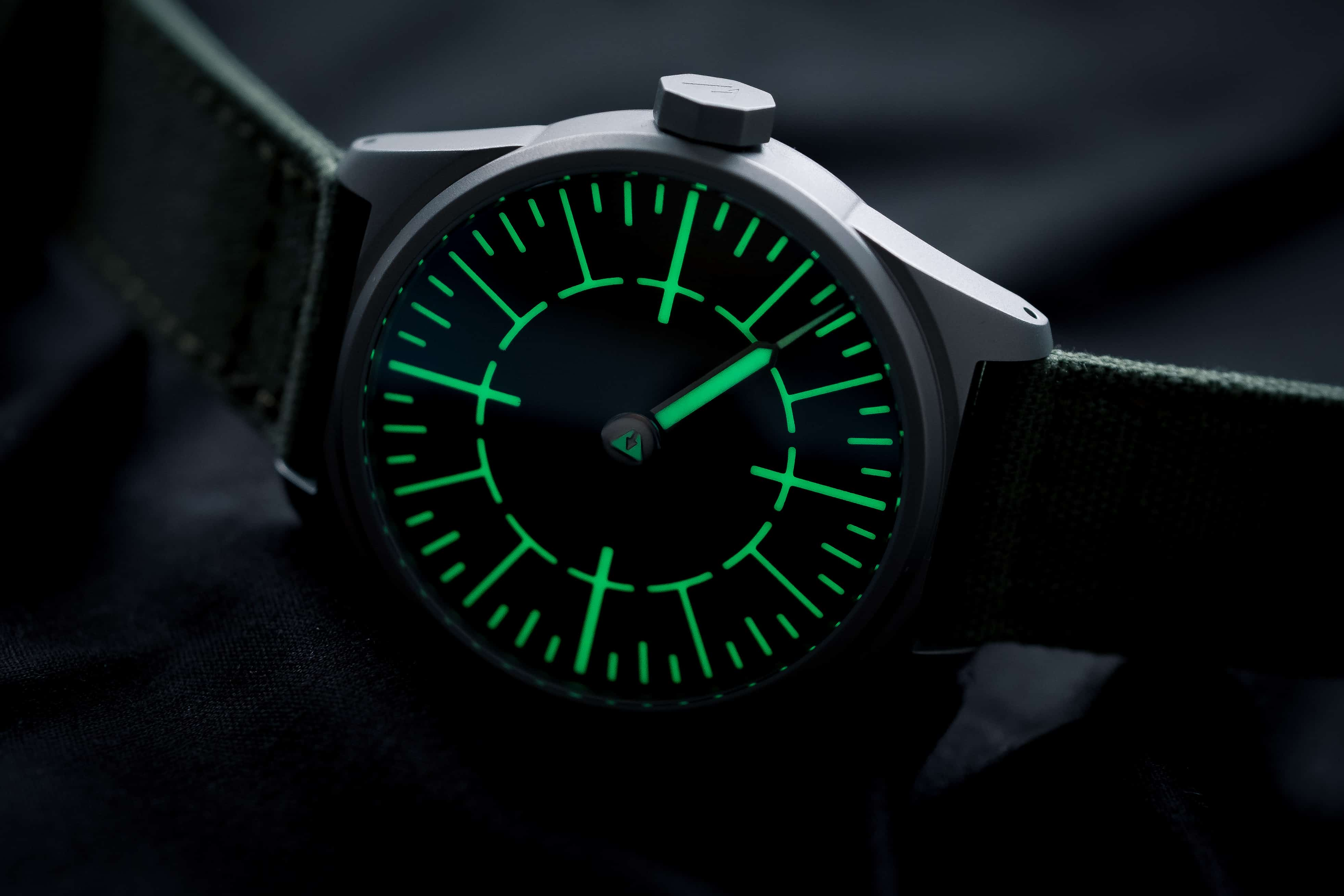 Subdelta Quattro watch Lume