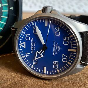 Crafted from hardened Submarinesteel, a perfect companion for every exciting adventure!   Optimal legibility and functionality  #pilotwatch #pilotwatches #watchesofinstagram #watchesoftheday #uhr #uhrenliebe #germanwatchmaking #germanpilotwatch #relojes #zegarki #horloge #aboveandbeyond #hodinky #ure #mechanicalwatch #fliegerfriday
